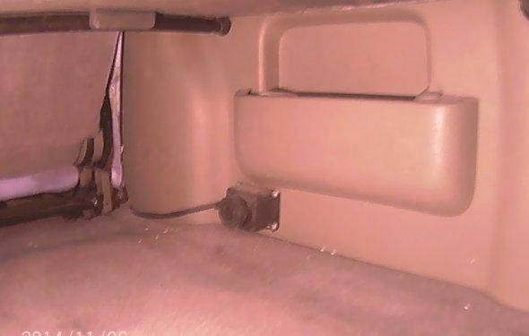 в багажнике авто.Розетка